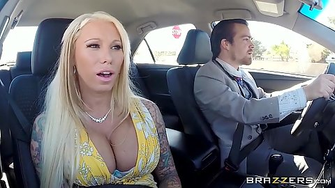 Blonde milf Lolly Ink sucking dick in the car