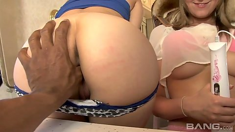 Nina Lane and Sadie Sable get a thumb up the ass
