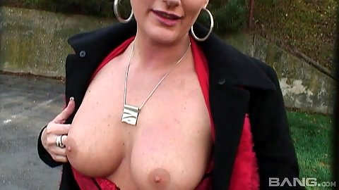 Flashing boobs with public girl Olga outdoors