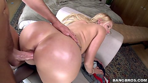 Teasing oiled up pawg hardcore from belond Vanessa Cage