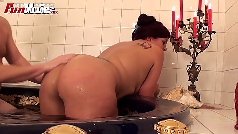 Dildo insertion with chubby Cora Kitty and wet pov sex in the tub