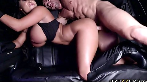 Limo chauffeur seat fuck with asian August Taylor