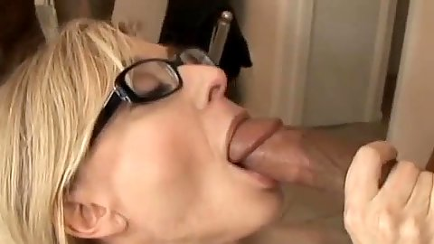 Interracial milf oral from mature mom Nina Hartley