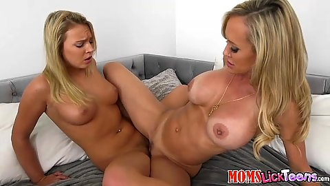 Mom and younger teen Brandi Love and Cali Sparks scissor fuck each other