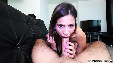 Teen oral job with cute Valery Gomez
