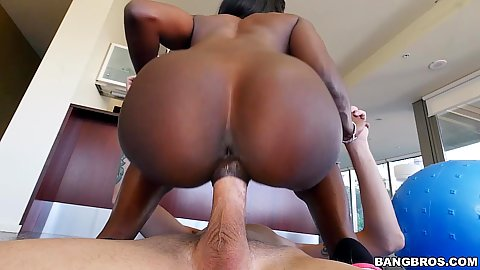 Indulging perfectly shaped ass Ana Foxxx sitting on dick and some oral