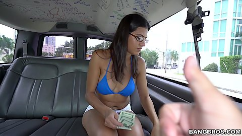 Victoria Valencia just got some money paid to fully naked on the van