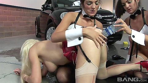 Nasty lesbian bitches practicing some insertions with water bottle on the garage floor