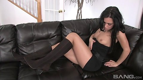 Small tits brunette Alyssa Reece can make herself pleased without any dicks whatsoever