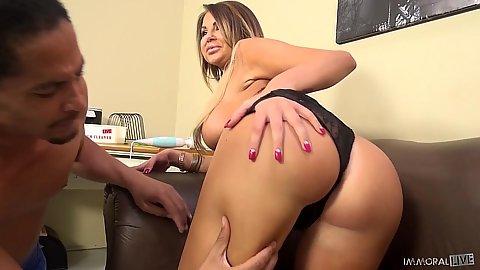 Juicy mifl ass latina Nikki Nine ants a black cock