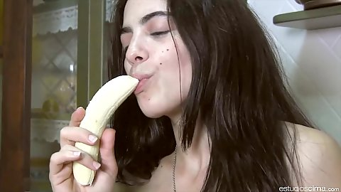 Very erotic banana eating from amateur latina Horny Danae