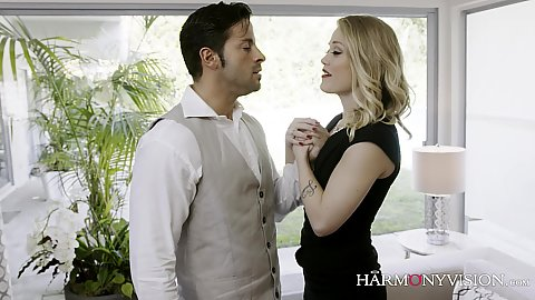 Raunchy blonde Ash Hollywood sensual kissing