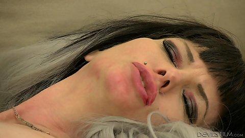 Eating milf vagina Carrie Ann
