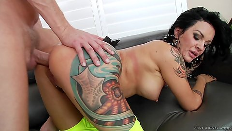 Busty inked girl Lola Luscious  has her ass verified to stretchiness