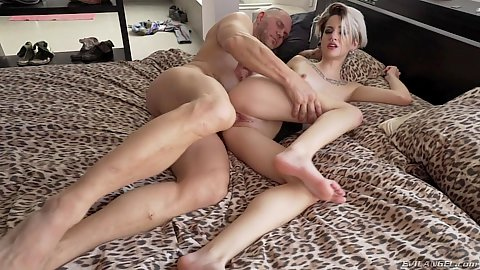Slim 19 year old Mey Madness dicked like crazy