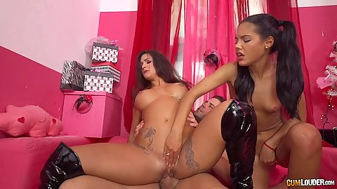 Milf and teen the ghost of xmas special Apolonia and Susy Gala