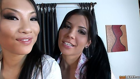 Two immoral girls Rebeca Linares and Asa Akira
