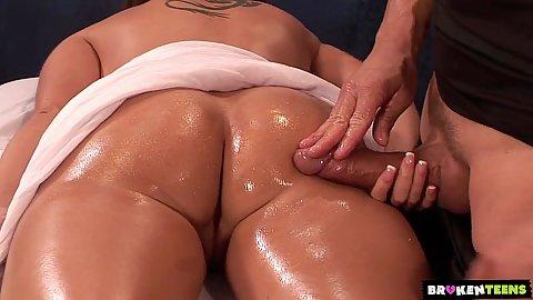 Kelly Divine Massage
