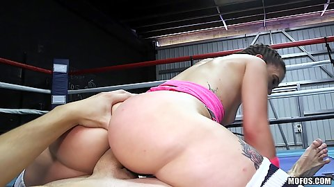 Bubble butt cock grinding athletic girl in boxing ring Gia Paige