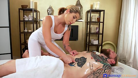 Foxy slut in yoga pants giving massage with oil Amy Red