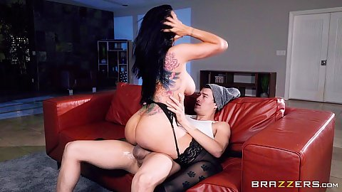 Dick bouncing salacious Romi Rain working the xxx parody