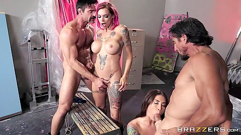 Foursome biker ladies gathered around dick Felicity Feline and Anna Bell Peaks