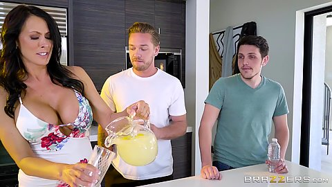 Reagan Foxx making some lemonade with milf skills