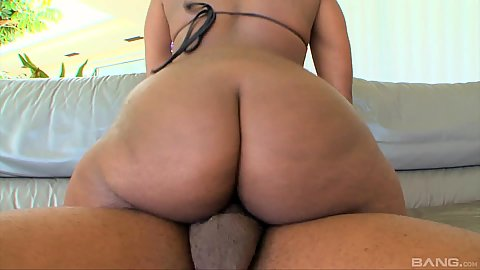 Bubble butt dick riding with big chested innie pussie cock craver Roxanne Shorte