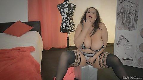 Huge boobs and big ass bbw Anastasia Lux mastubation and looking sharp