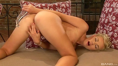 Dildo placement into own pussy with solo Caylian Curtis