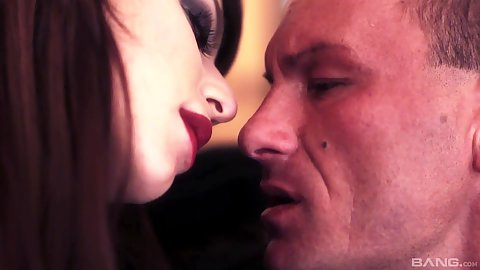 Sexy style make out and kissing closeup with Eliska Cross enduring some anal