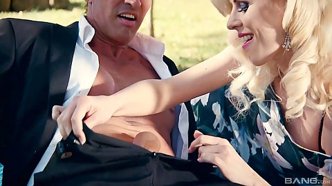 Lynna Nilsson wants some fun in the housewife picnic day