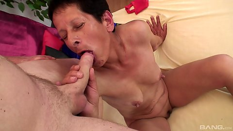 Oldtimer granny with small chest Esmeranda sucks some penis and face mouthful of cum