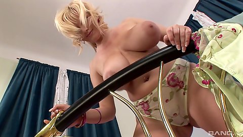 Solo lovely huge boobies jiggling from solo milf Sophie Mei