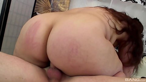 Big ass bbw jelly belly girl Denny bouncing on penis