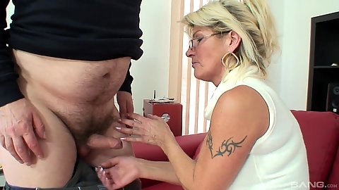 Glasses mature fully clothed mom Renate fucking older male and sucking his rod