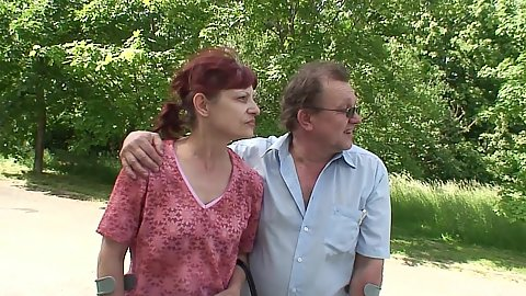 Outdoor amateur redhead mature going to the public park to do something nasty
