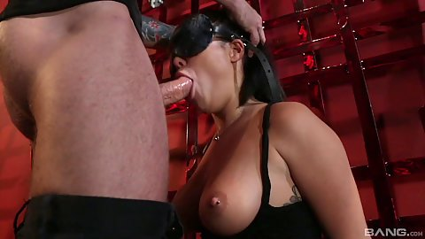 Sex craving deep throat for blind folded girl London Keyes in bdsm scene