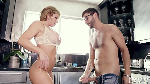 Kitchen oral sex and titty fuck from nice boobed milf mom Farrah Dahl making some eggs