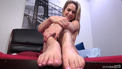 Nice feet and sybian machine sex during visen Mia Malkova sex game show