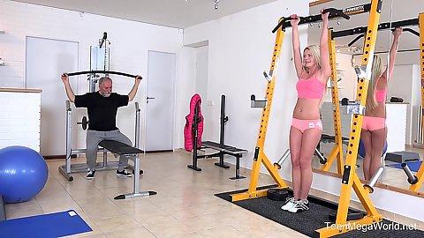Gym Pussy Licking Gosexpod Free Tube Porn Videos