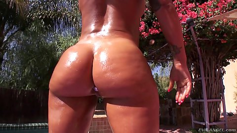 Outdoors slippery curvy ass Brandi Bae is a California girl in for a large cock dicking in pov