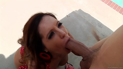 Dick blowing wife milf latina Francesca Le with large schlong in her mouth