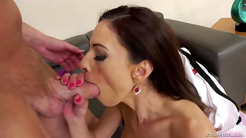Deep throat service milf brunette Eva Long then puts legs up for frontal pentration