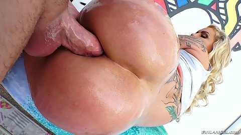 Outdoor round and slippery butt milf nailed hard and deep with a2m and back up the bunghole Ryan Conner