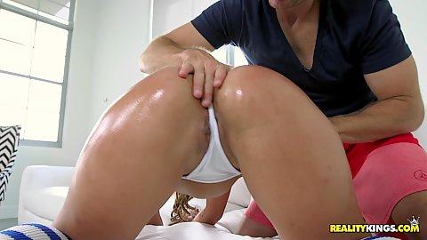 Great ass worshiping and oiling a curvy Kelsi Monroe after which she gives a sloppy head