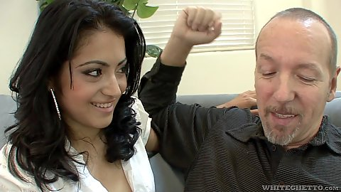 Smiling college latina Andrea Kelly is horny horny and feeling spunky