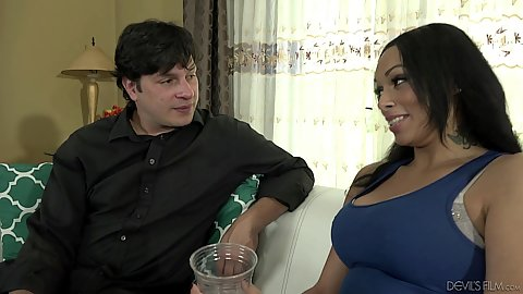 Bethany Benz got a new white stepdaddy and she must introduce her body