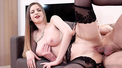 1 on 1 sideways penetration screwing with stockings on sofa