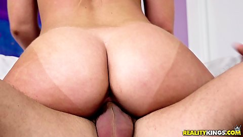 Tanline but on cock bouncing up and down with curvy Daisy Stone enjoying cable guys firm dick he then pulls out to quickly ejaculate on her stomac